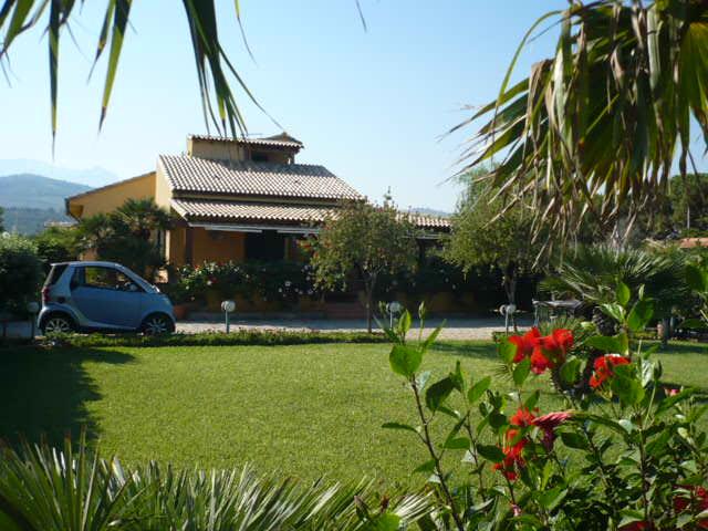 Villa a Campofelice di Roccella in contrada piana calzata - 01