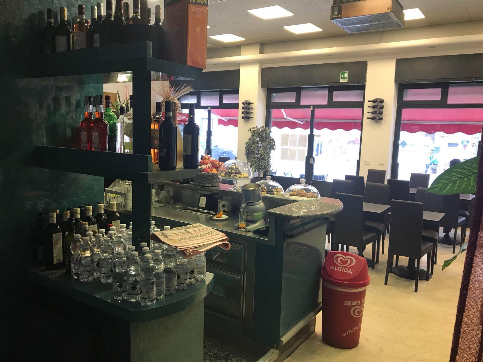Attività commerciale Bar e tabacchi in vendita, Milano città studi