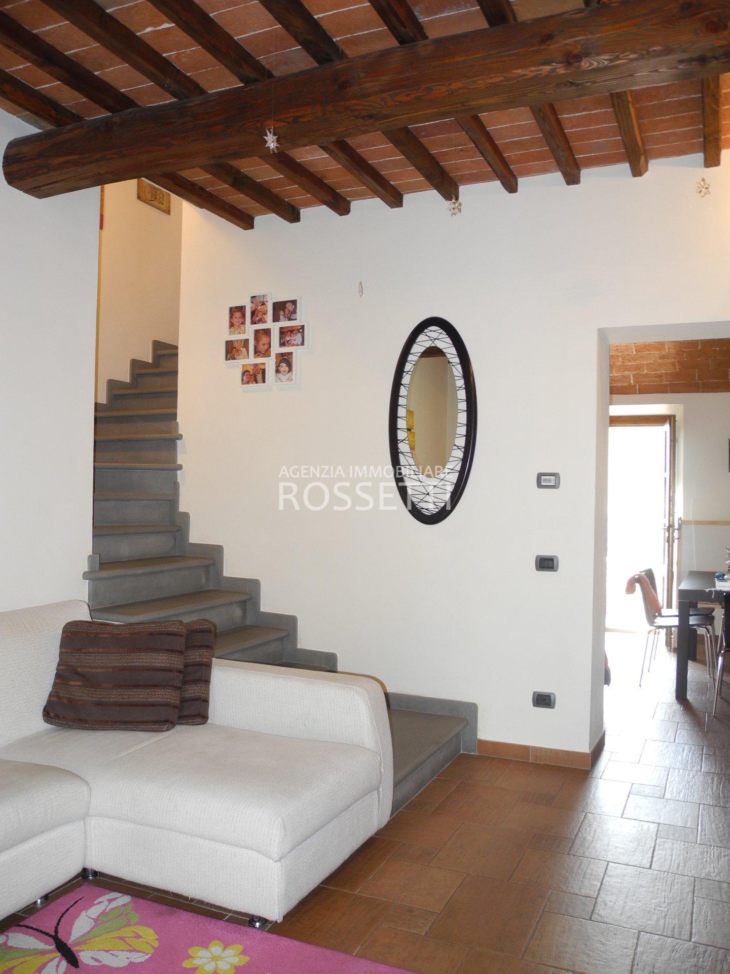 Casa indipendente con giardino a Lamporecchio - 01