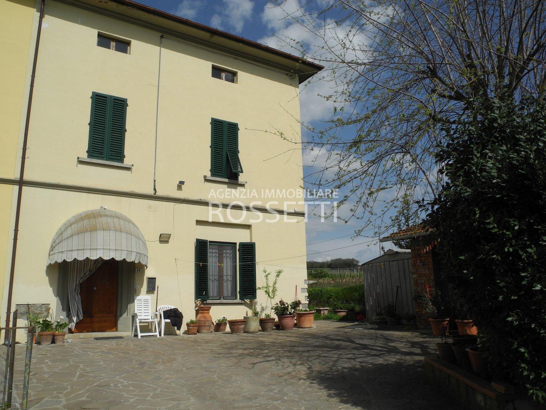 Casa indipendente con giardino a Vinci - 01