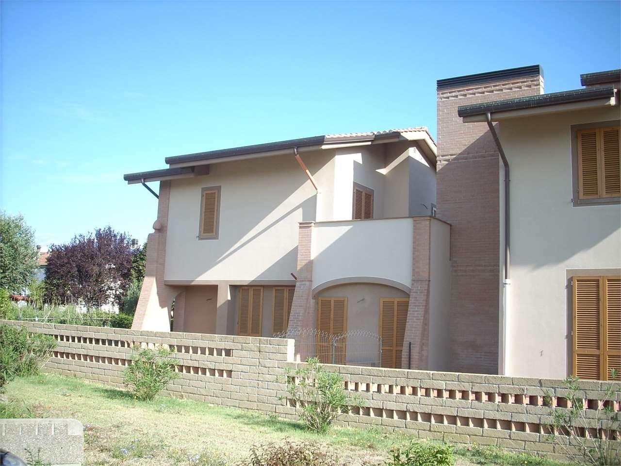 Villa con giardino a Pontedera - 01
