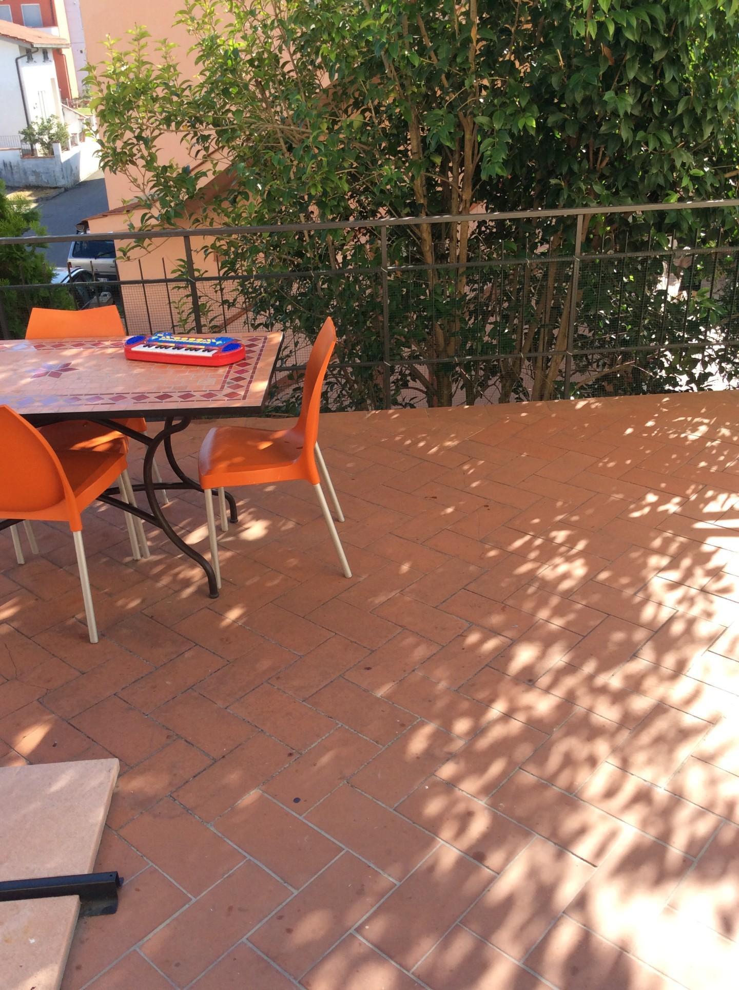 Appartamento con terrazzo a Cerreto Guidi - lazzeretto - 01