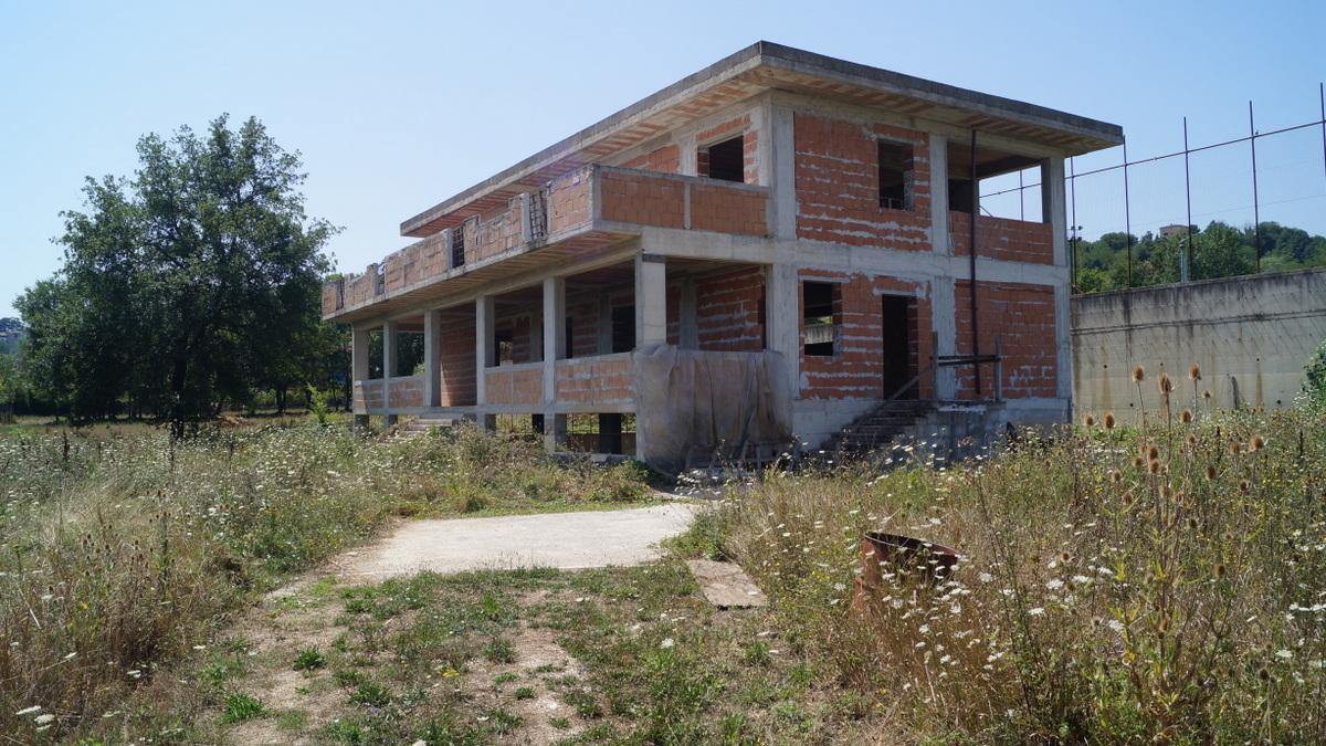 Locale commerciale a Caiazzo in via astolfi - 01