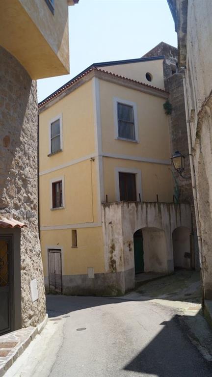 Vendesi stabile/palazzo via chiesa Ruviano - 01