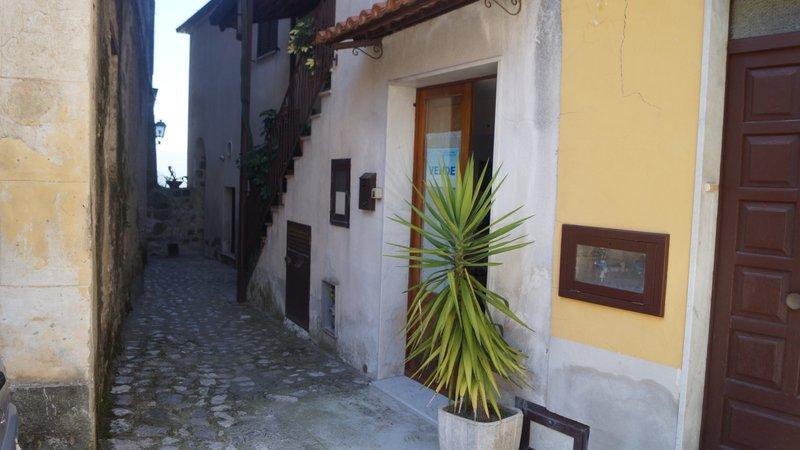 Vendo appartamento via ponte Caiazzo - 01