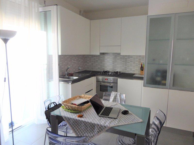 Appartamento Bilocale con terrazzo a Carrara - centro - 01
