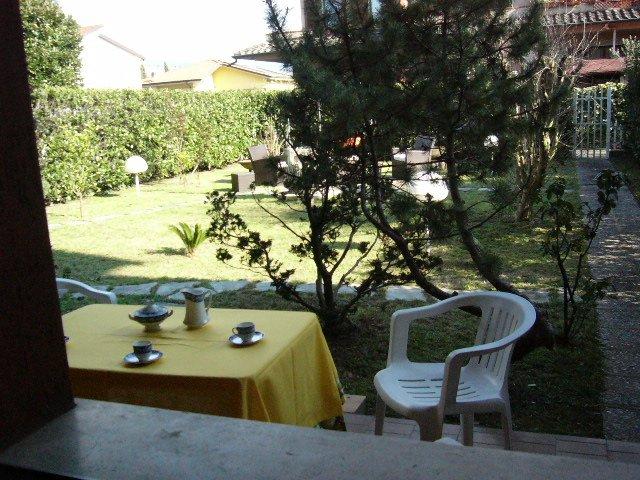 Appartamento con giardino a Carrara - marina di carrara - 01