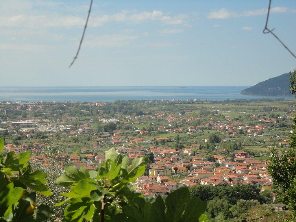 Rustico con giardino a Carrara - monteverde - 01