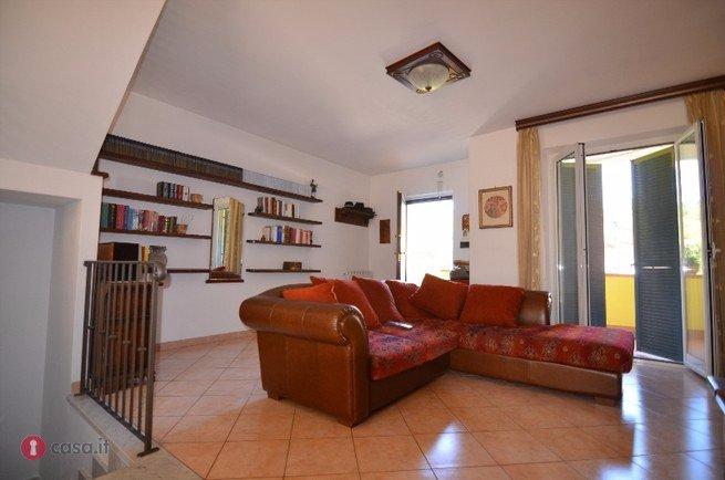 Villa con giardino a Carrara - bonascola - 01