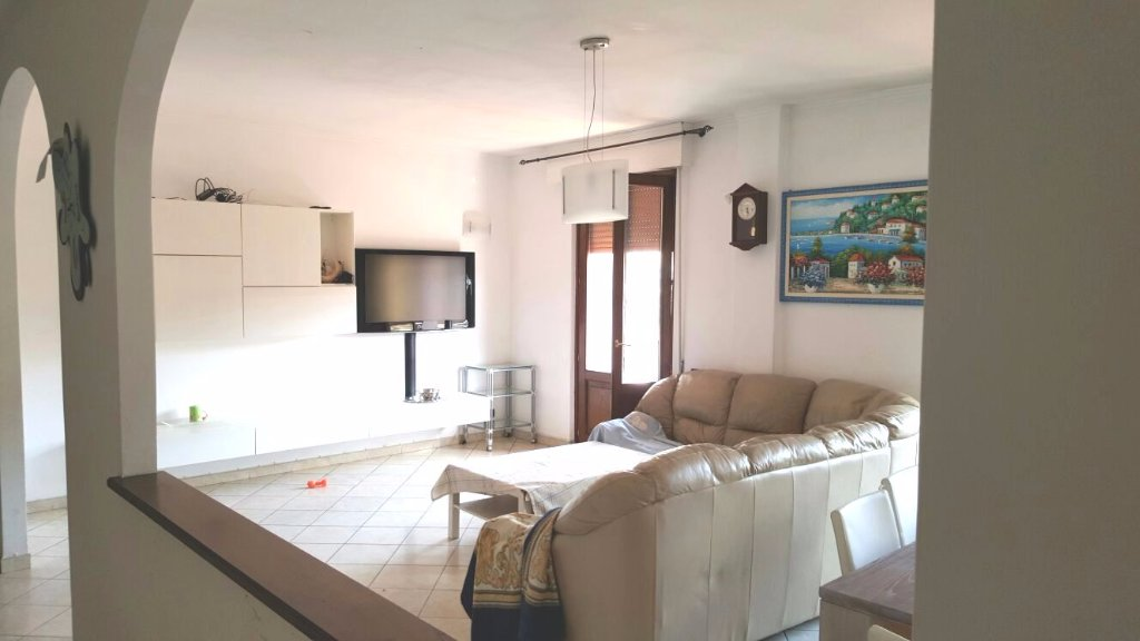 Appartamento con terrazzo a Carrara - centro - 01