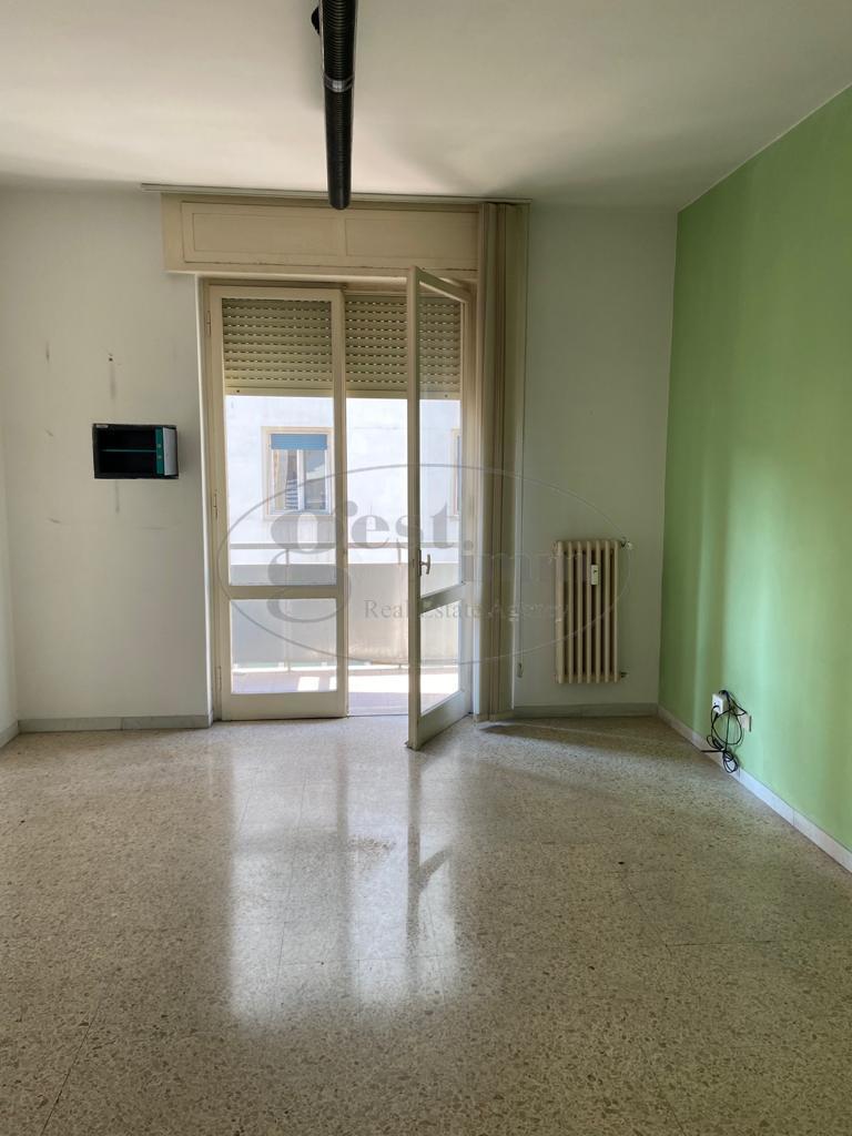 Appartamento da ristrutturare a Livorno - centro - 01