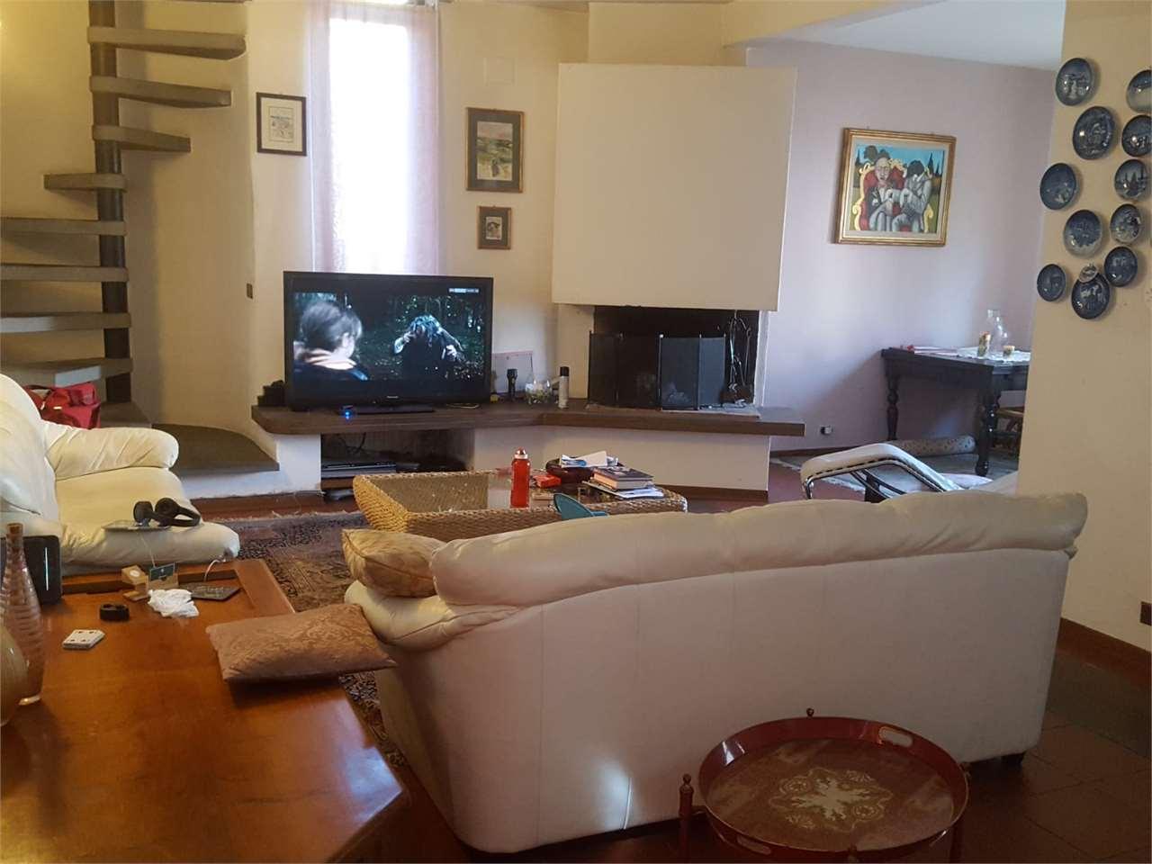 Casa indipendente con giardino a Altopascio - 01