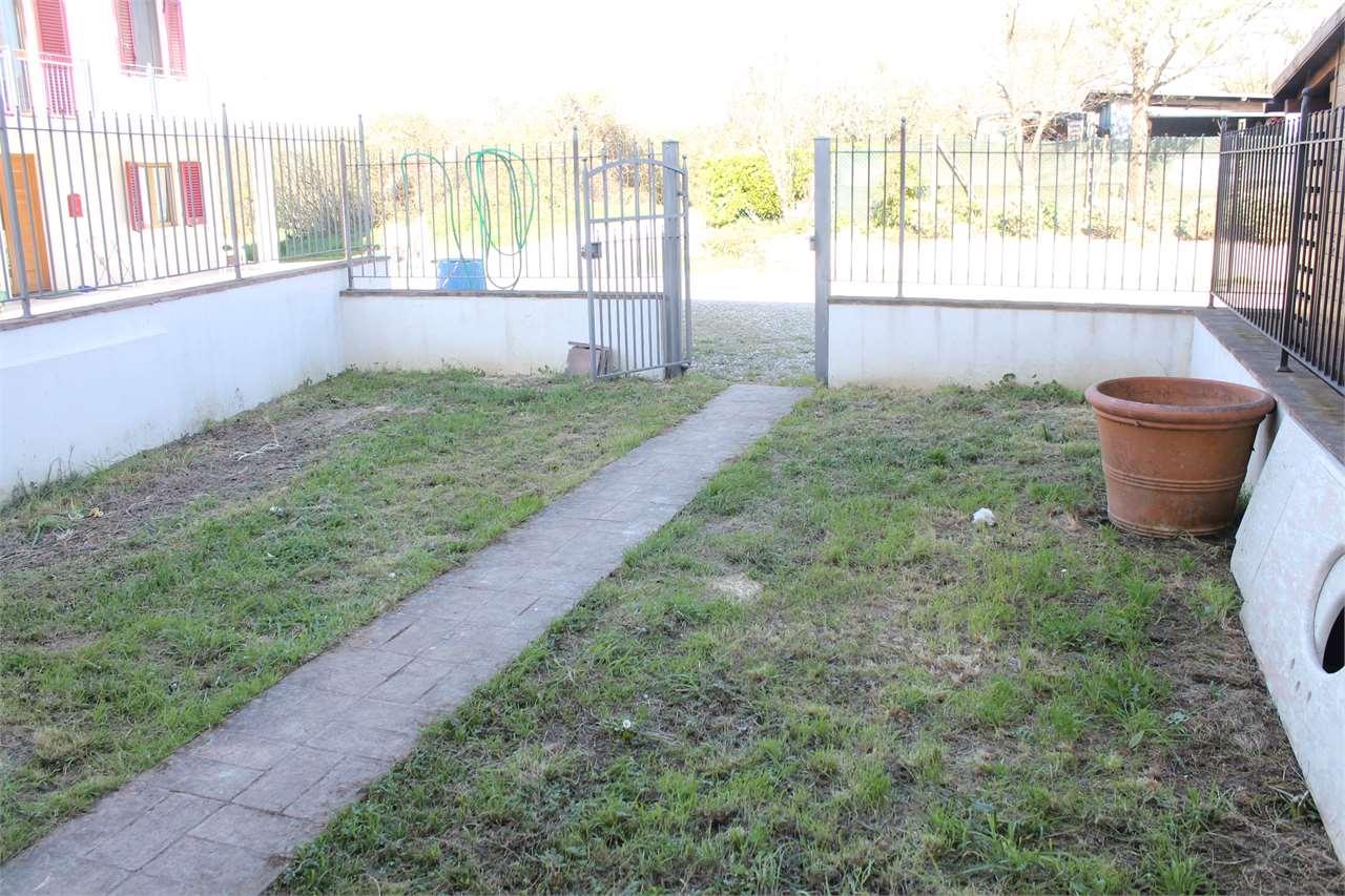 Casa indipendente con giardino a Castelfranco di Sotto - 01