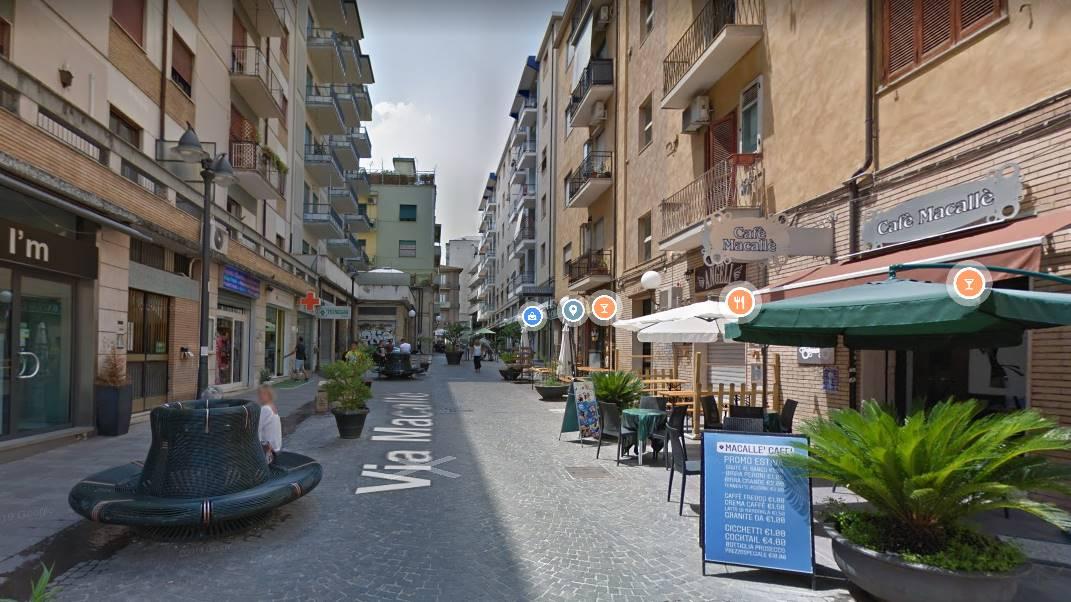 Locale commerciale in vendita, Cosenza centro città