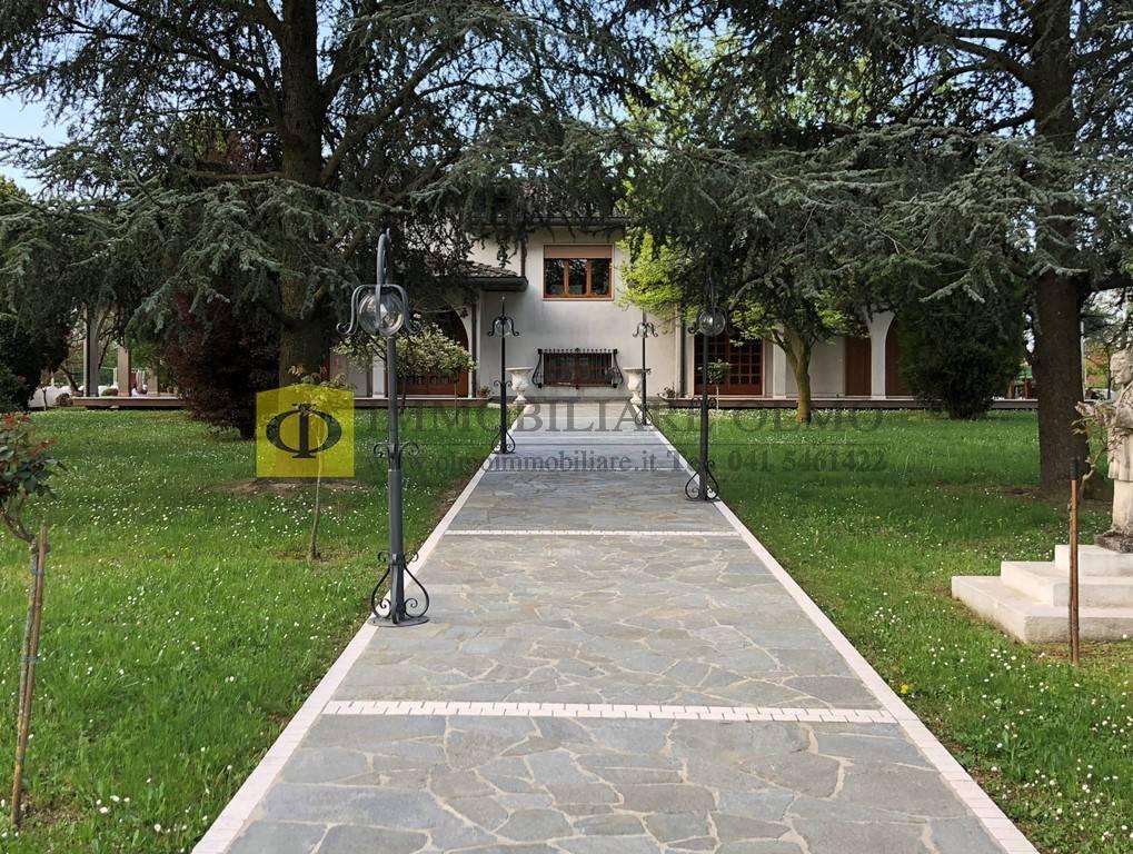 Villa Bifamiliare con giardino, Spinea crea
