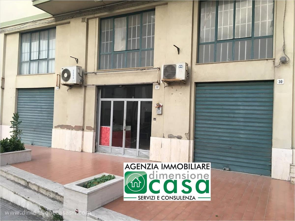 Locale commerciale in affitto a San Cataldo