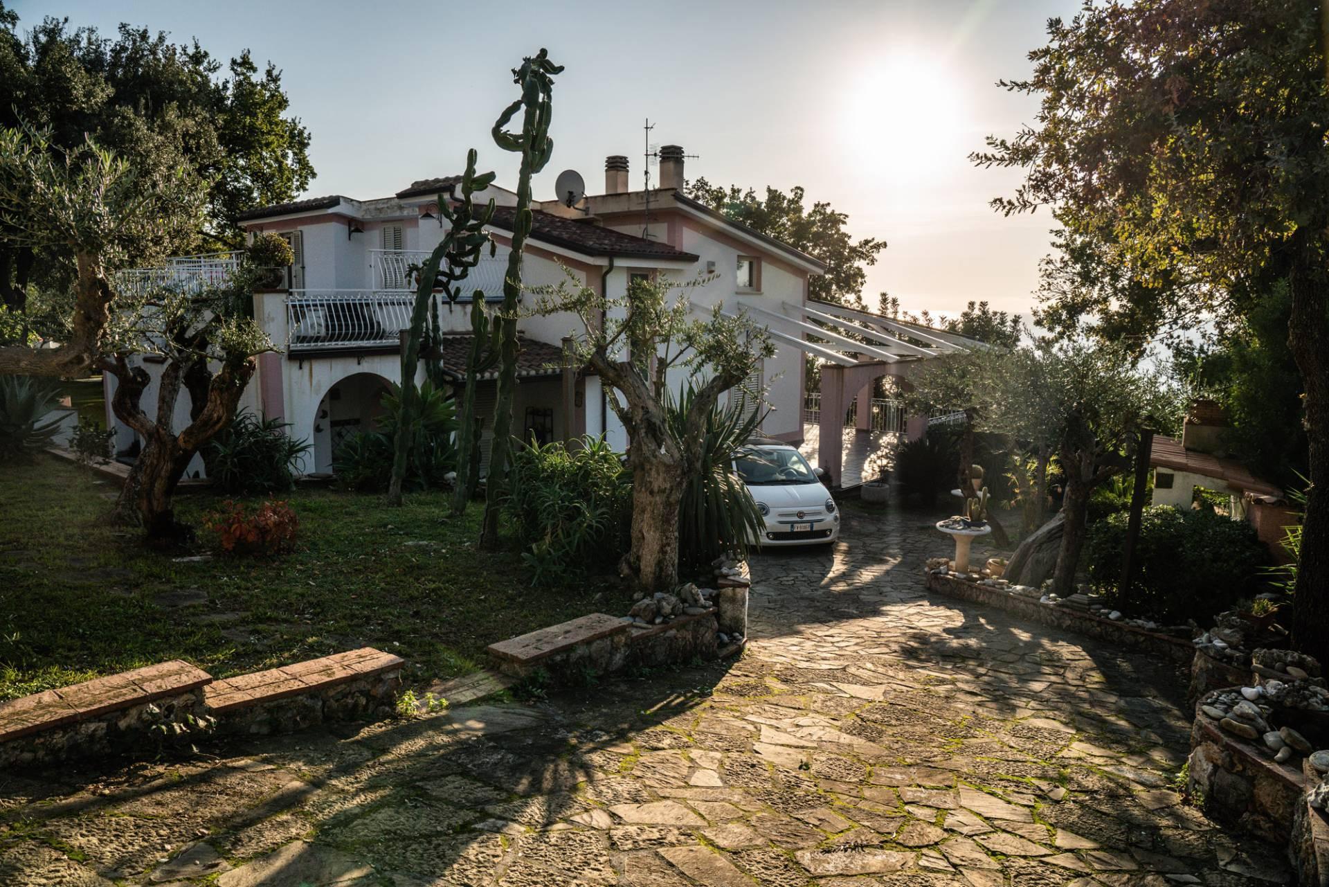 Villa con terrazzo, Maratea marina