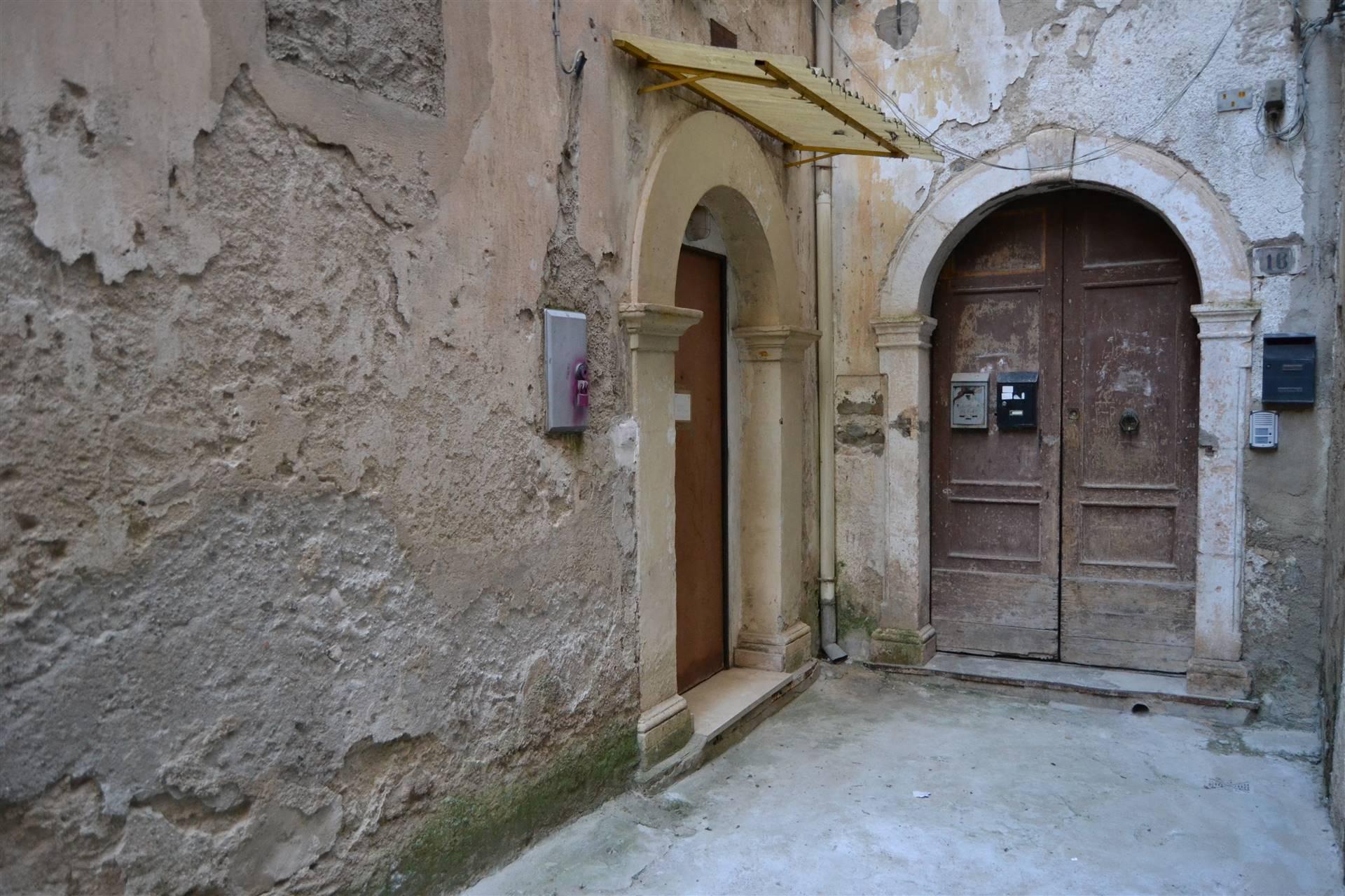 Appartamento ristrutturato, Cosenza centro storico