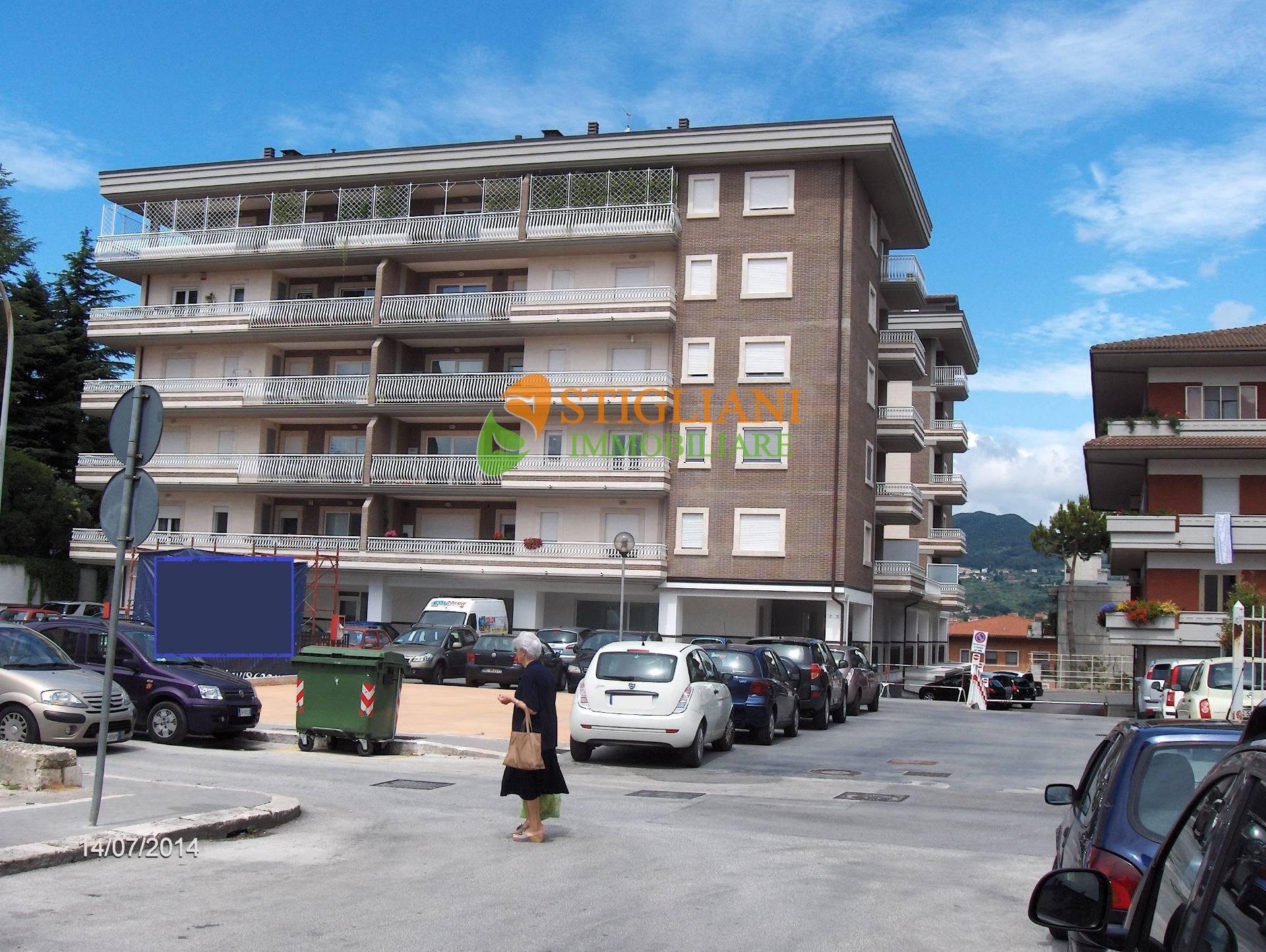 Locale commerciale in vendita, Isernia via berta