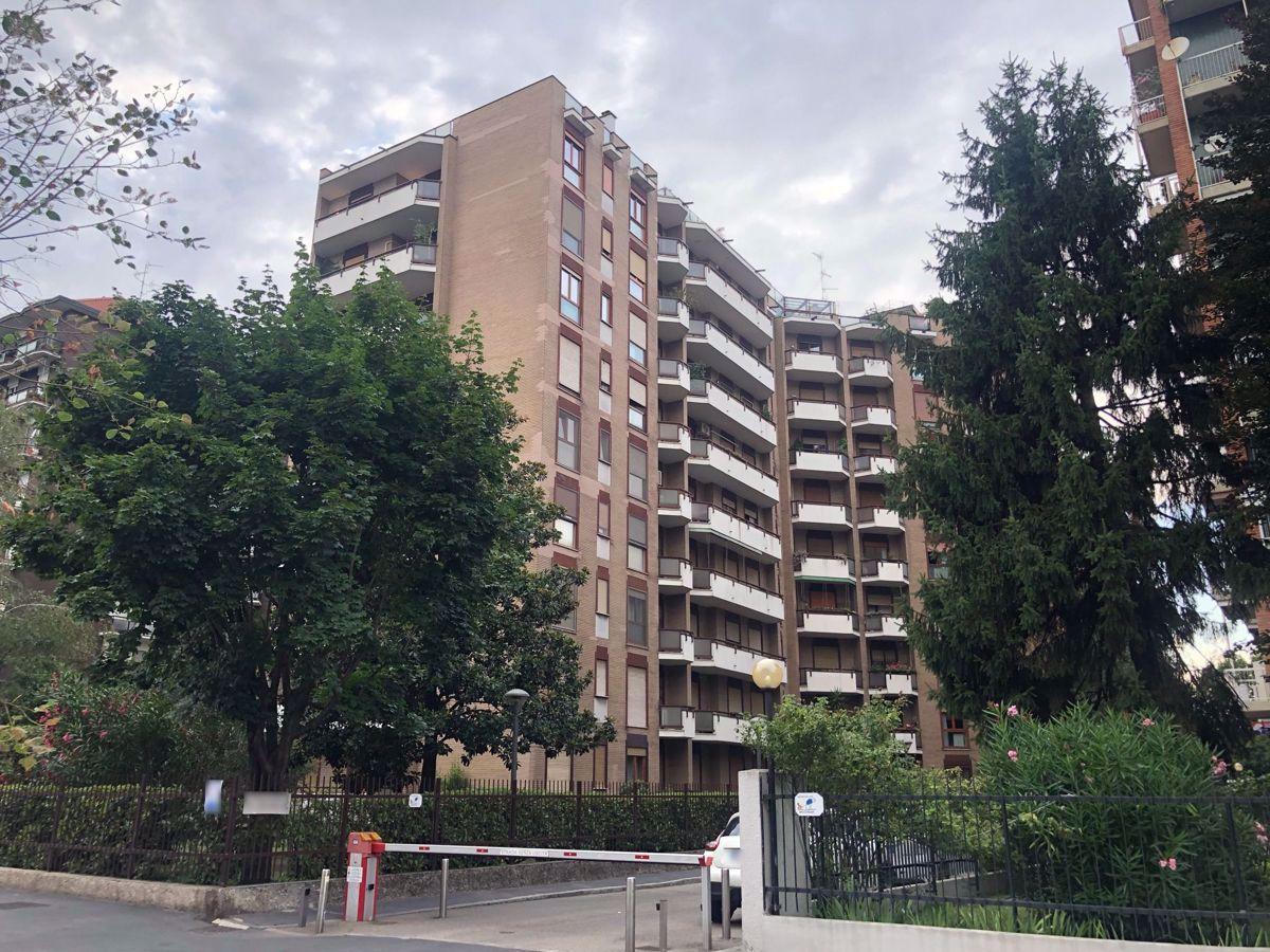 Appartamento con box a Milano