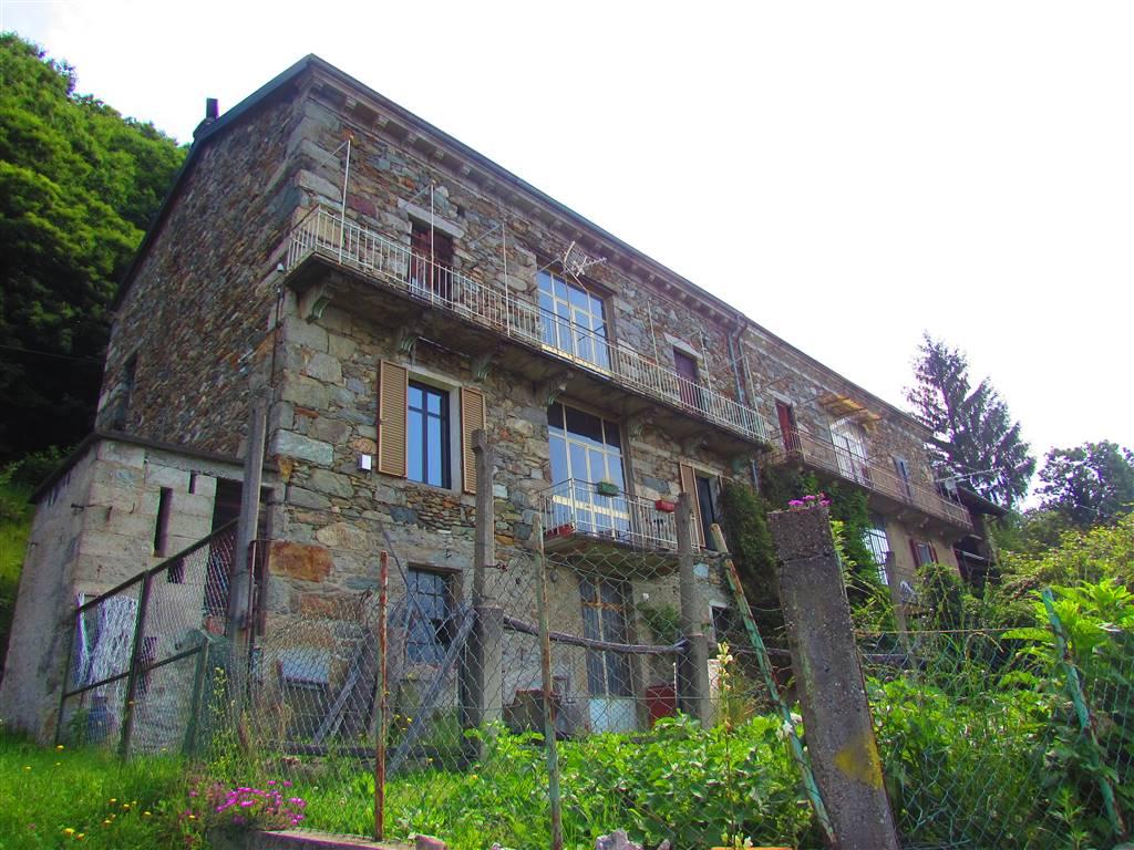 Casa indipendente da ristrutturare a Andrate