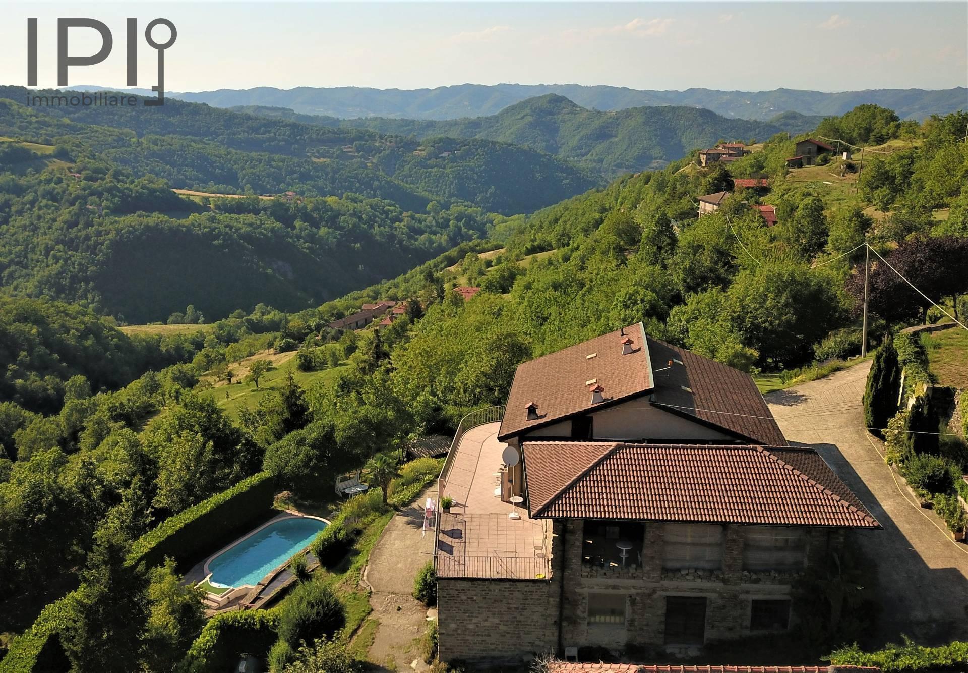 Villa con terrazzo a Roccaverano