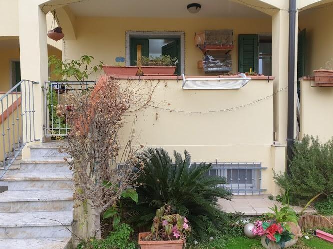 Casa indipendente con giardino a Carrara - 01