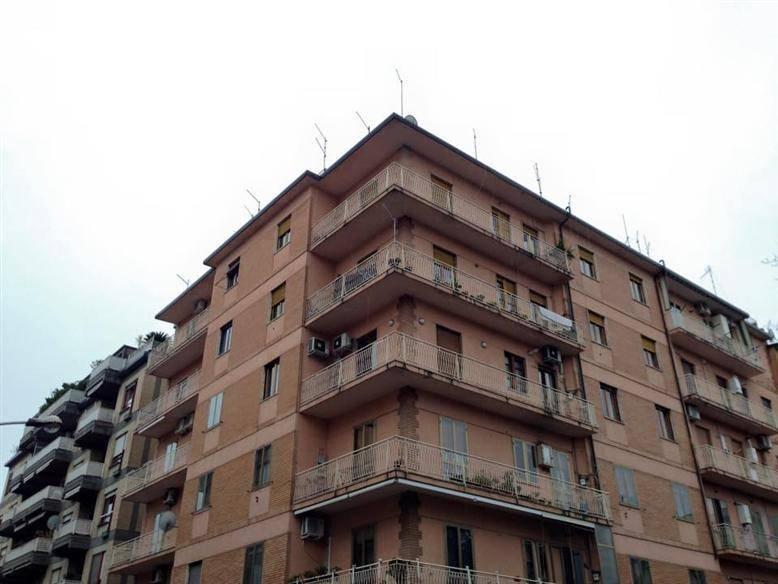 Quadrilocale ristrutturato, Caserta centro