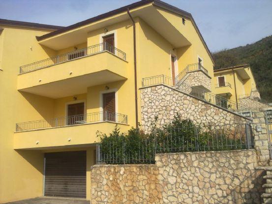 Vende appartamento con giardino a Sangineto - 01, Foto