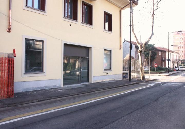 Negozio nuovo a Cinisello Balsamo - 01, Foto