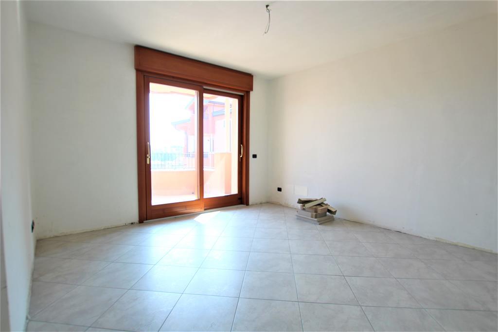 Appartamento con box in via magenta n 8/a, Muggiò