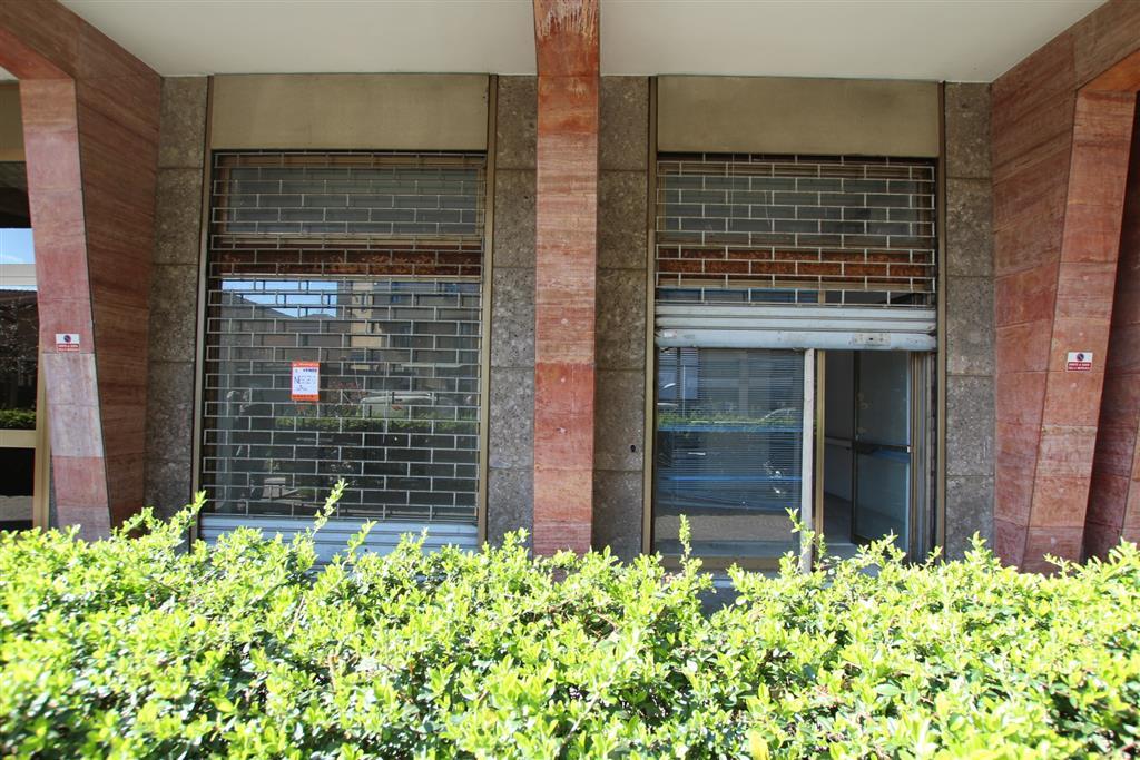 Negozio da ristrutturare in via garibaldi 95, Cinisello Balsamo