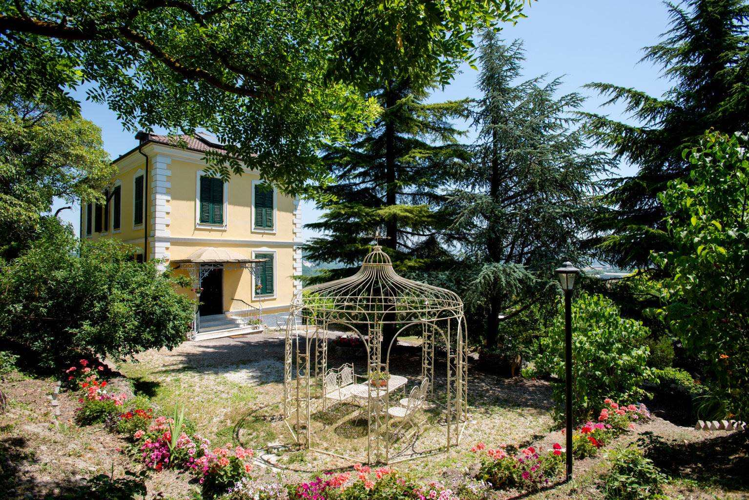 Villa con giardino a Serravalle Scrivia
