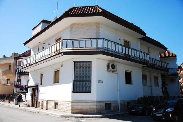 Casa indipendente ristrutturato a Adelfia - montrone - 01, Foto