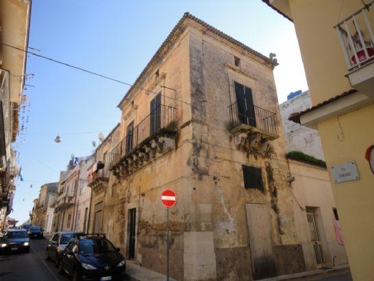 Casa indipendente da ristrutturare a Santa Croce Camerina - 01, prospetto