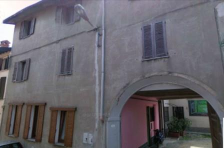 Vendesi appartamento via mameli Cadorago - 01