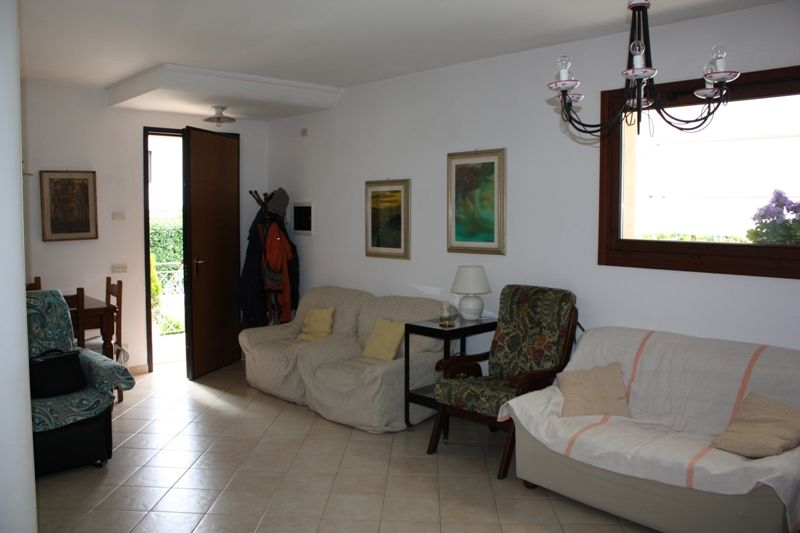 Villa con giardino a Massa in via quercioli - 01
