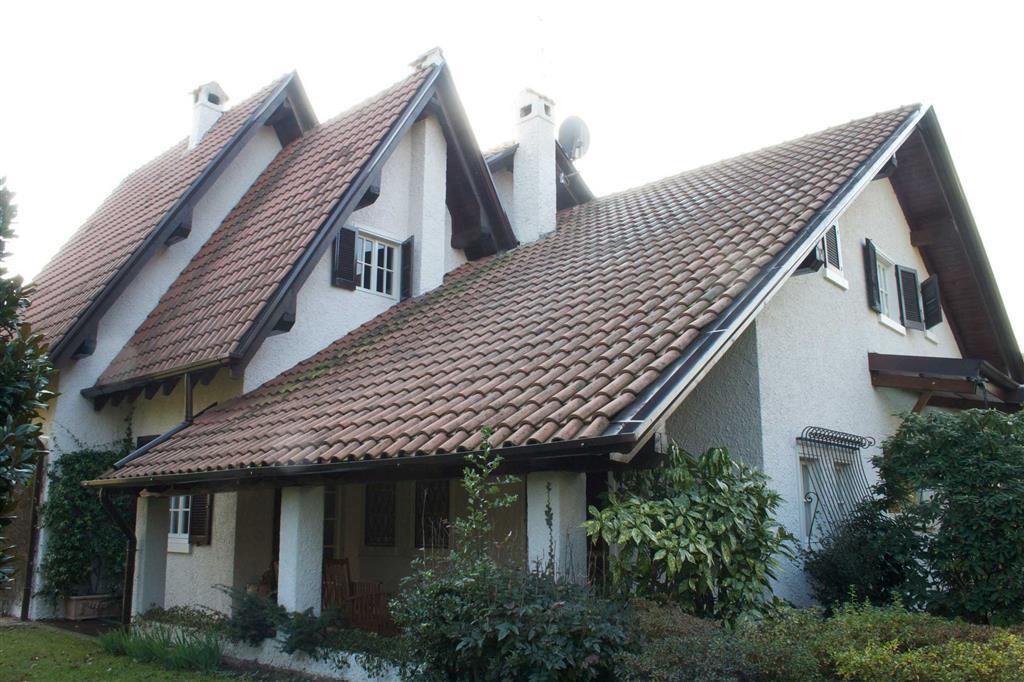 Villa a Casatenovo in via s. gaetano 63 - rogoredo - 01