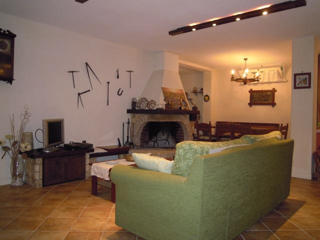 Villa con giardino a Pietrasanta - 01
