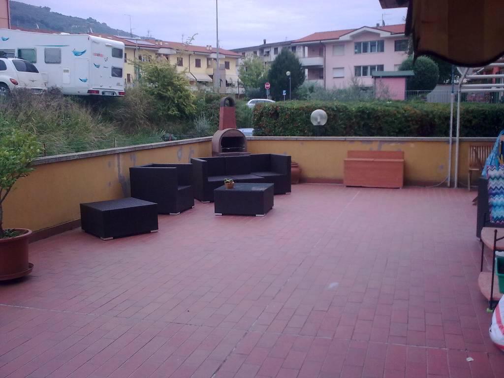 Casa indipendente con box a Uzzano - 01