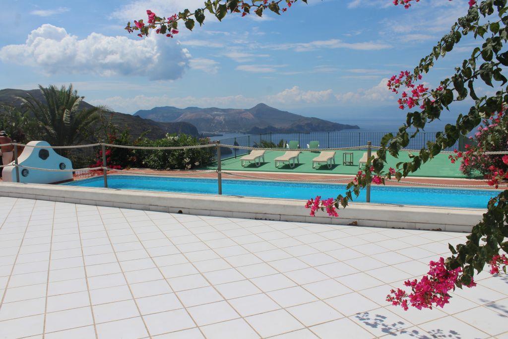 Villa Quadrifamiliari in vendita in c.da quattrocchi 98055 lipari me, Lipari