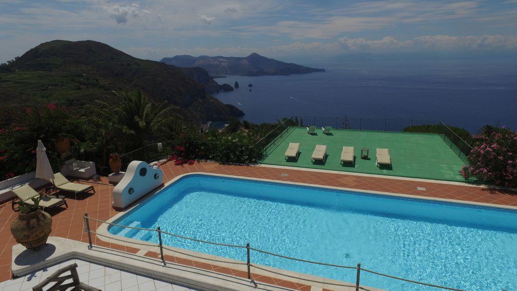 Villa Quadrifamiliari in vendita in quattrocchi, Lipari