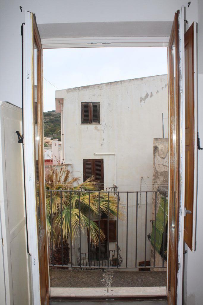 Appartamento arredato in affitto in via giuseppe garibaldi, Lipari