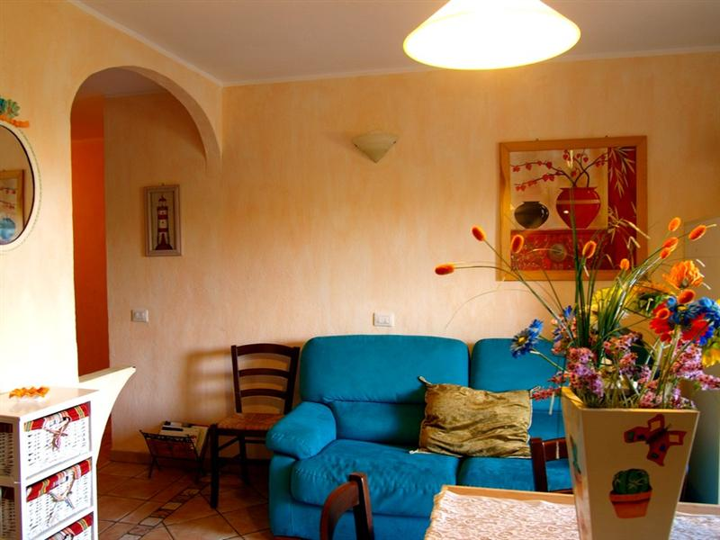Appartamento con posto auto scoperto via fundoni Olbia