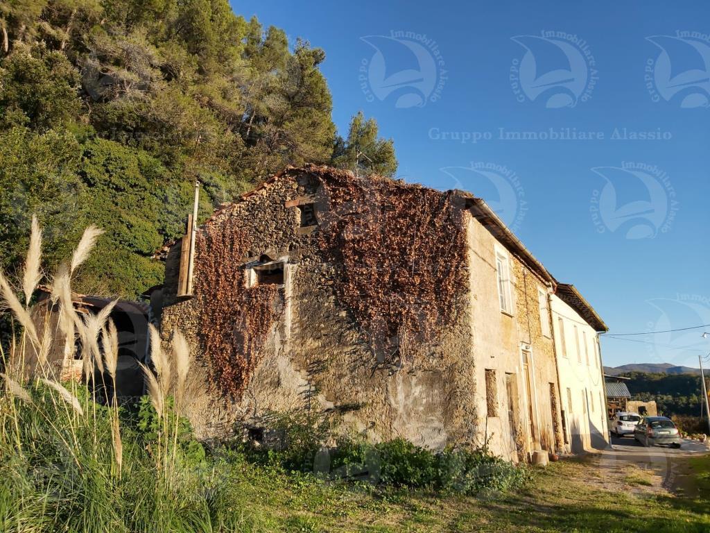 Rustico con giardino a Ortovero - 01