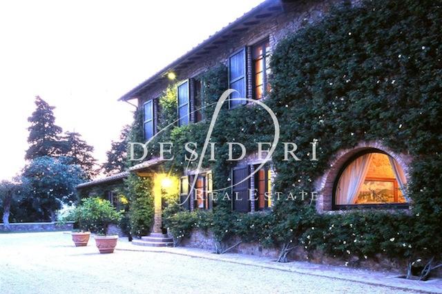 Villa arredato a Castiglione della Pescaia - 01