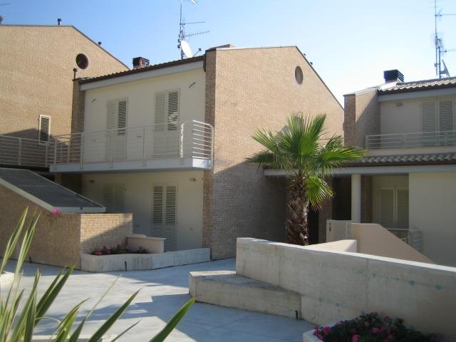 Appartamento con terrazzo a Acquaviva Picena - panoramica - 01