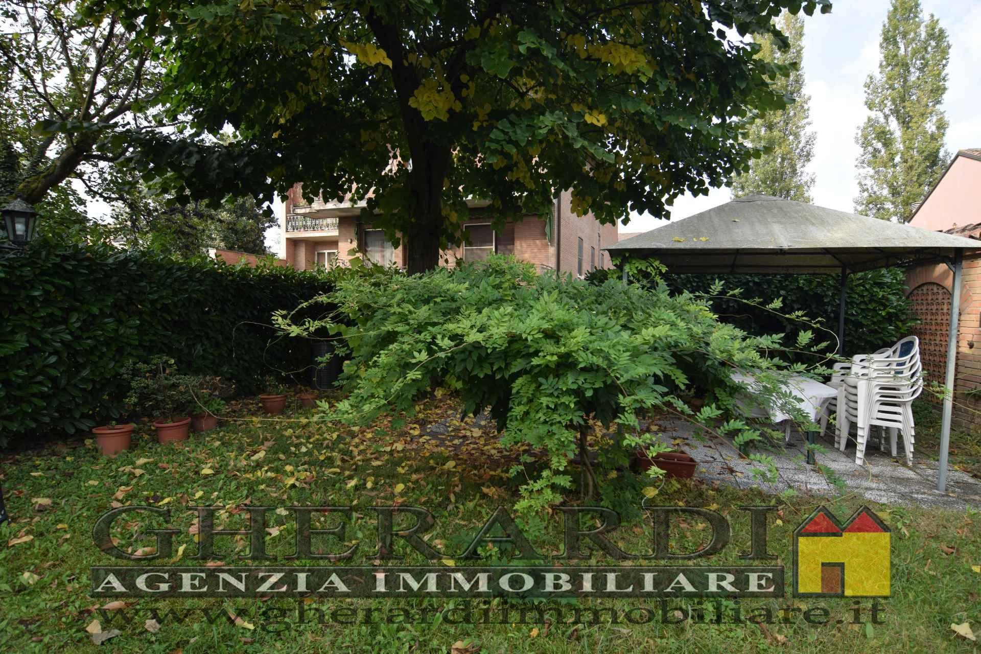 Appartamento con terrazzo, Ferrara entro mura