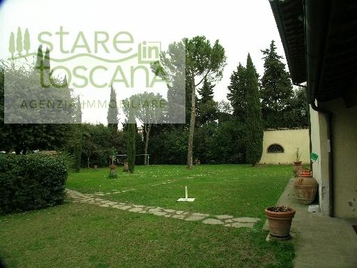 Villa con giardino Scandicci centro