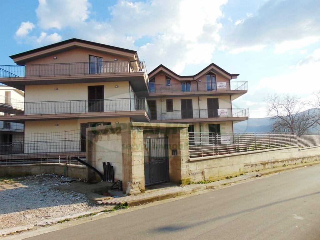 Appartamento con terrazzo a Mugnano del Cardinale - 01